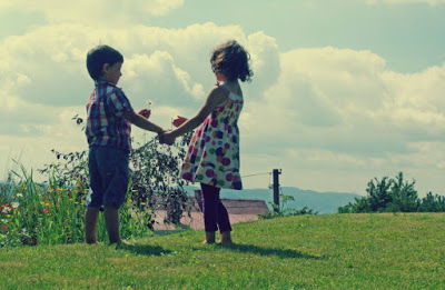 children-friends-610×398