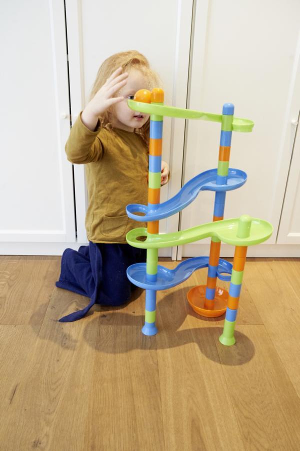 Alldoro – משחק מסלולים ענקי